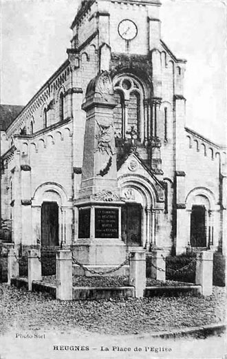 CPA_Heugnes_PlaceEglise