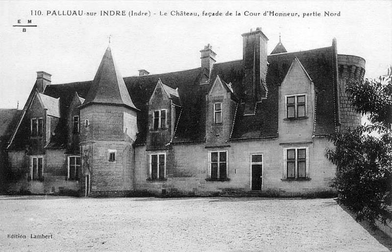 CPA_Palluau_Chateau_CourHonneur