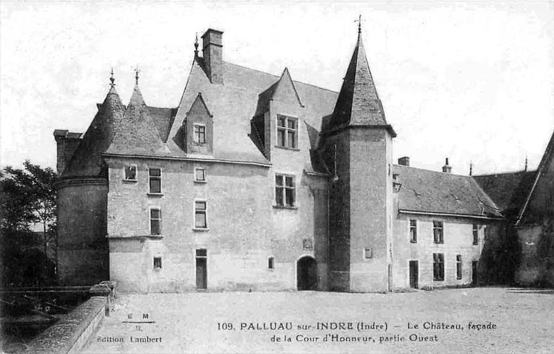 CPA_Palluau_ChateaufacadeCour