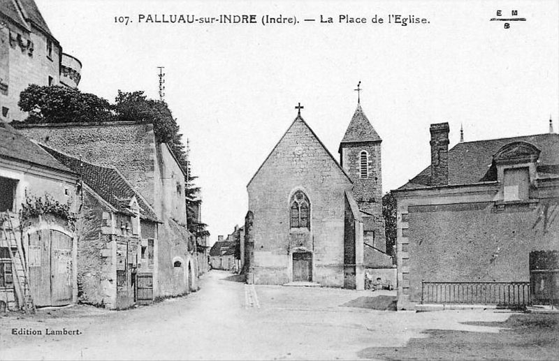 CPA_Palluau_PlaceEglise3