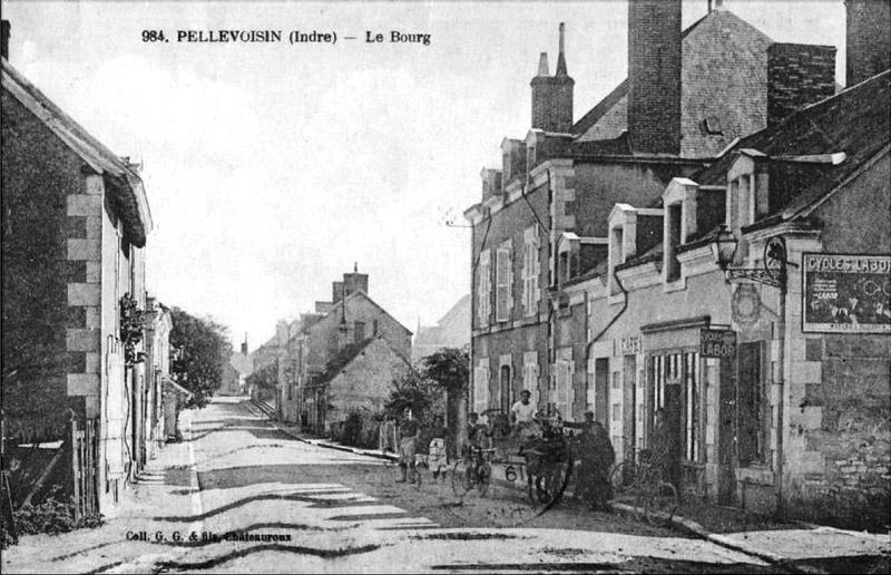CPA_Pellevoisin_LeBourg