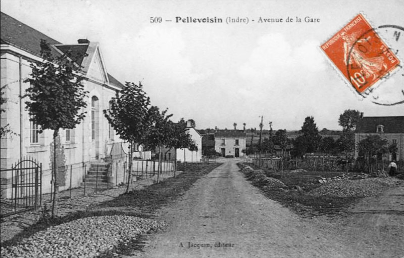 CPA_Pellevoisin_avenueGare2