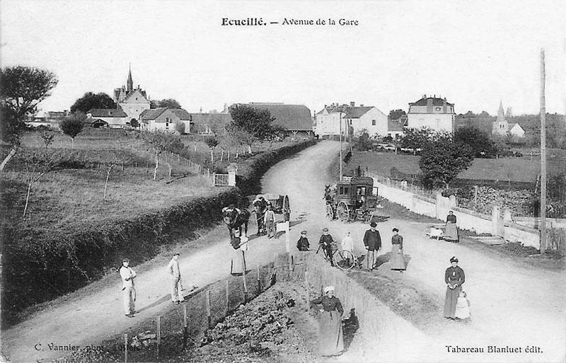 CPA_Ecueillé_AvenueGare2