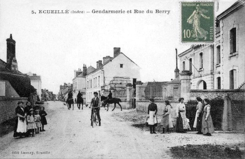 CPA_Ecueillé_GendarmerieRueBerry