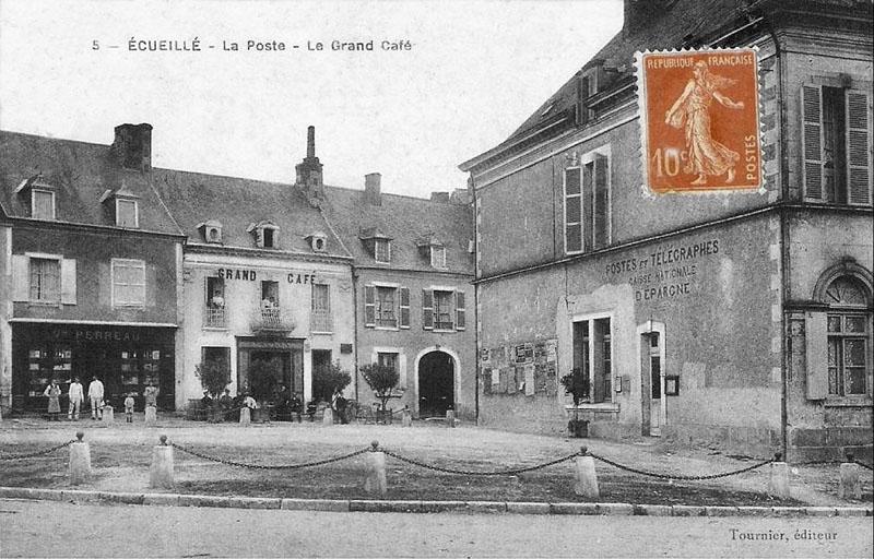 CPA_Ecueillé_LaposteGrandCafé2
