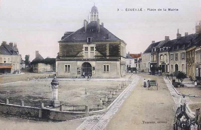 CPA_Ecueillé_PlaceMairie