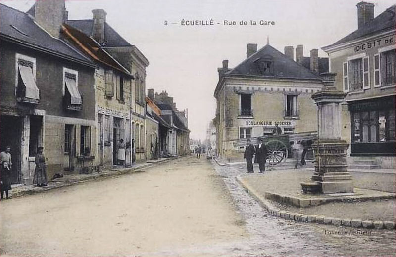 CPA_Ecueillé_RueGare