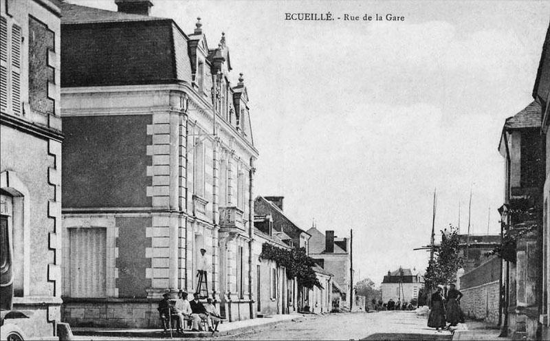 CPA_Ecueillé_RueGare2