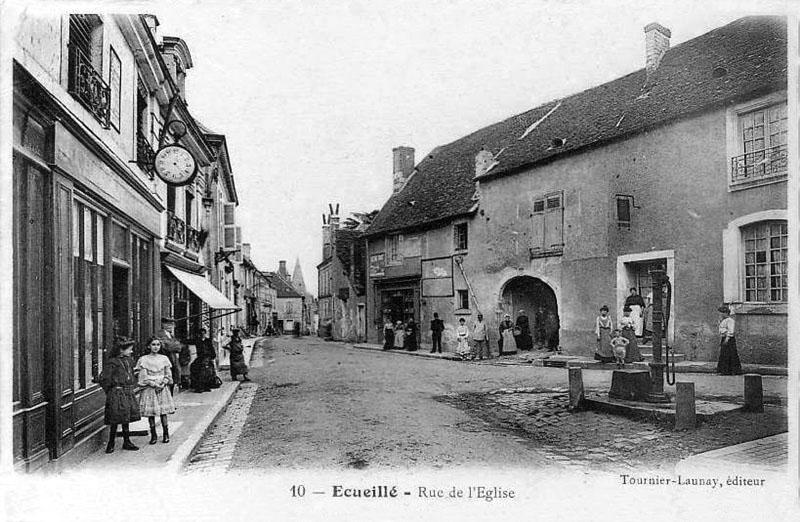 CPA_Ecueillé_route-de-léglise