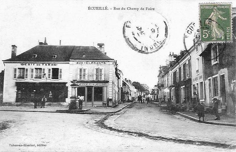 CPA_Ecueillé_rueChampFoire7