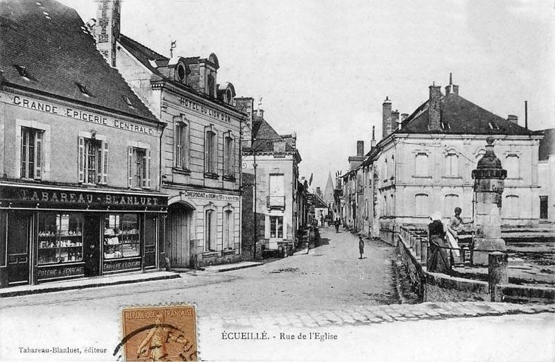 CPA_Ecueillé_rueDeLeglise2
