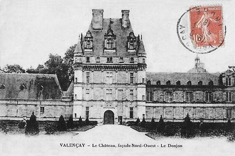 CPA_Valencay_ChateauFacadeNO